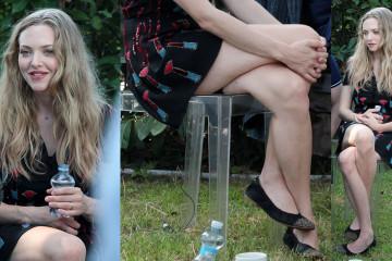 Amanda Seyfried Upskirt - Movie Stars Lounge Venice Film Festival August 31st 2017