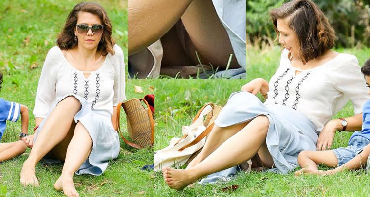 Maggie Gyllenhaal in sexy upskirt Photos
